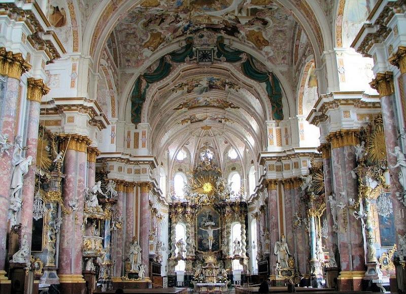 """德国金碧辉煌的修道院 近曝光院内保存2具堪称""""史上最奢华""""的骷髅"""