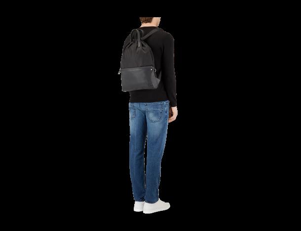 芬迪Fendi 黑色尼龙和皮革薄手提背包 7VZ034_6OD_F0GXN