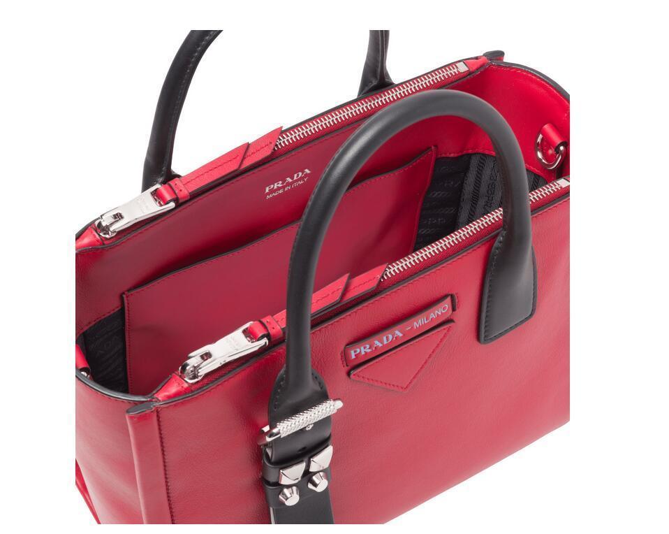 普拉达Prada Concept 柔软的小牛皮手袋1BA175_2BYA_F0A7J_V_MQO