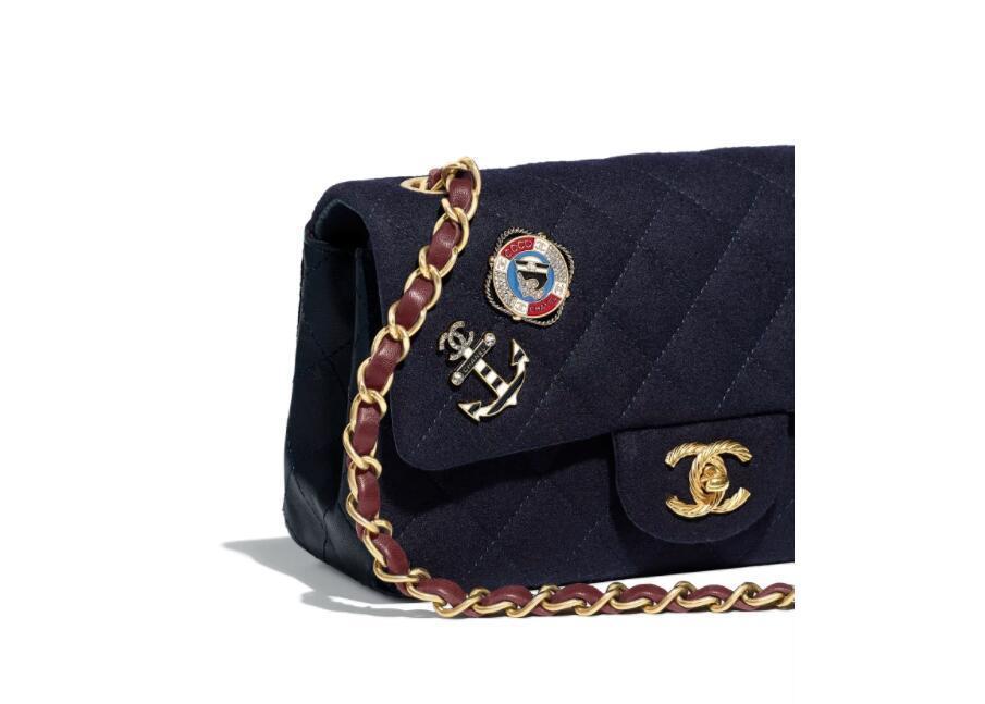 香奈儿Chanel 海军蓝 羊毛 小羊皮配吊饰 迷你口盖包