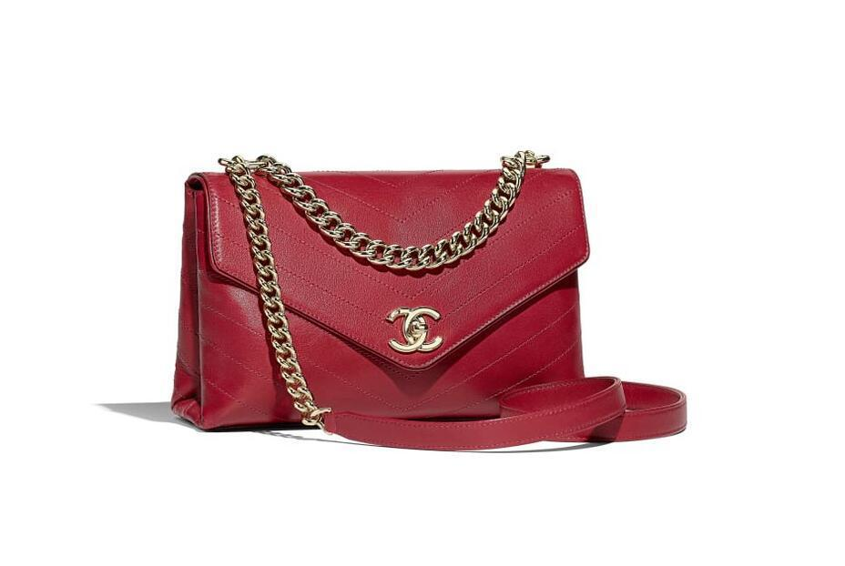 香奈儿Chanel 口盖包 粉红小牛皮与金属