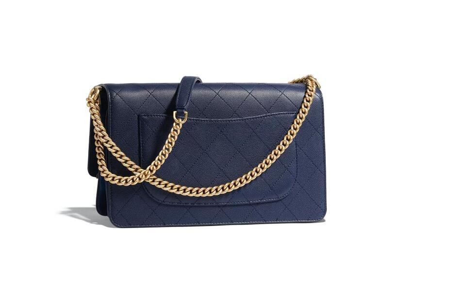 香奈儿Chanel 口盖包 海军蓝 颗粒压花小牛皮、麂皮效果小牛皮