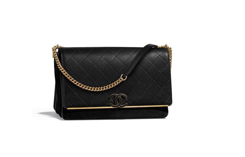 香奈儿Chanel 口盖包颗粒压花黑色 小牛皮、麂皮效果小牛皮