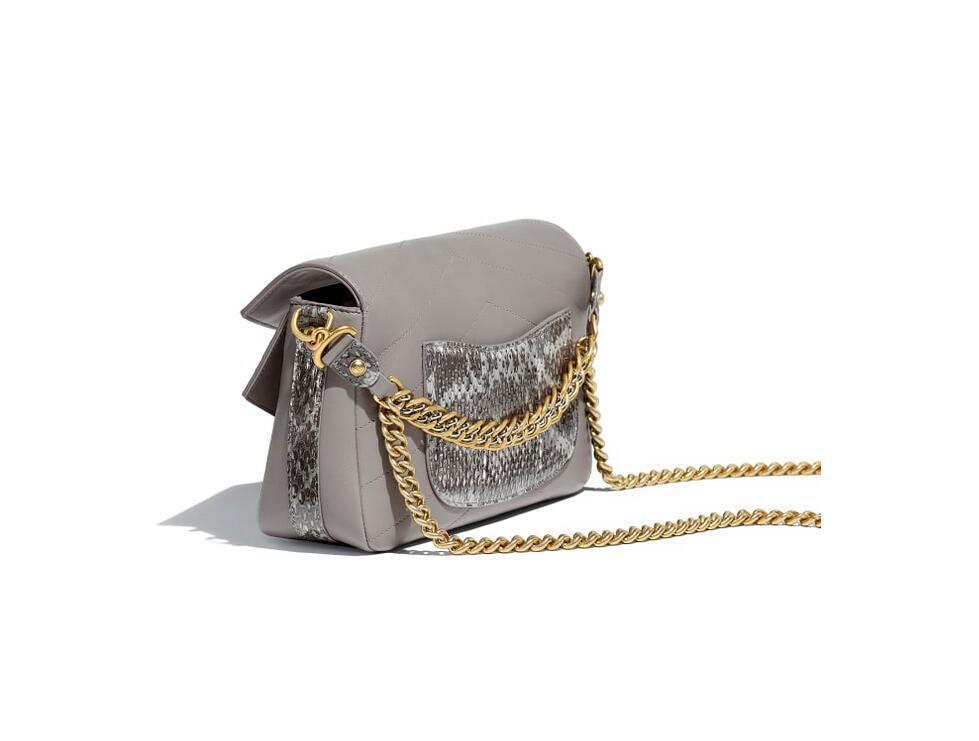 香奈儿chanel官网包包图片价格 灰色 小牛皮、锦蛇皮 口盖包