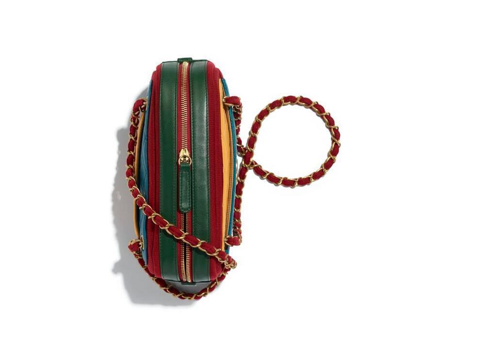 香奈儿chanel官网包包图片价格 小羊皮 蓝、黄、绿与红 相机包