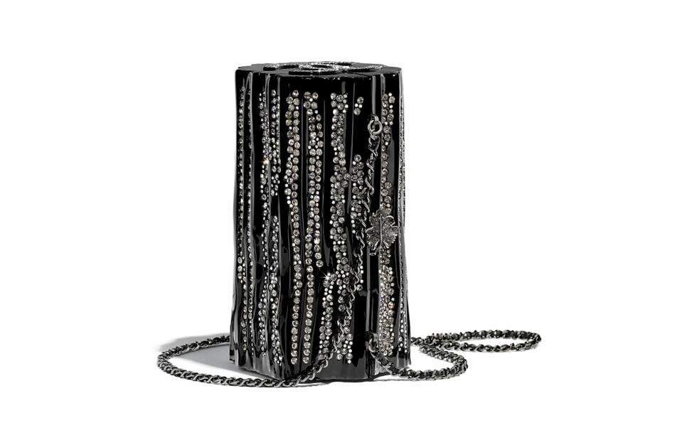 香奈儿 chanel 晚宴包 黑色名贵树脂、水钻与钌质感金属