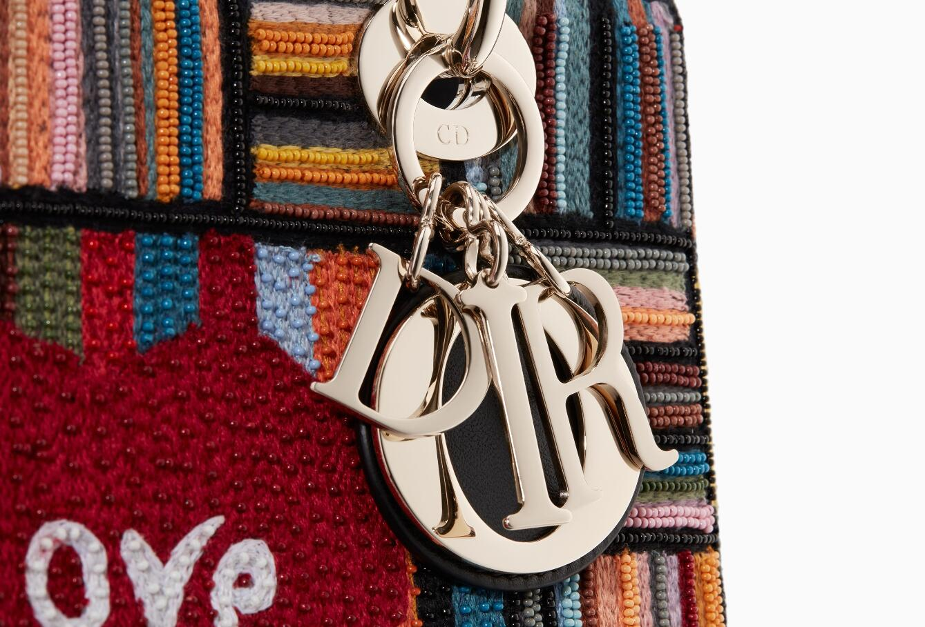 dior戴妃包 Lady Dior刺绣 丝线和珠绣 手提包 缀Dioramour心形图案