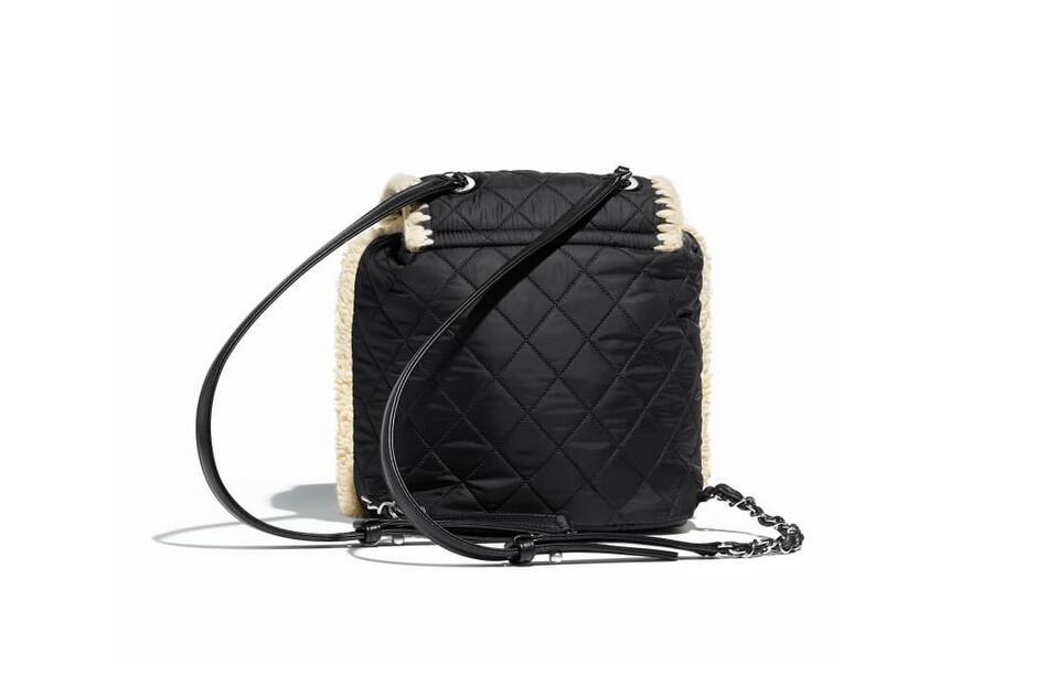 chanel新款包包 双肩背包 黑与乳白羊毛、尼龙、小牛皮与银色金属